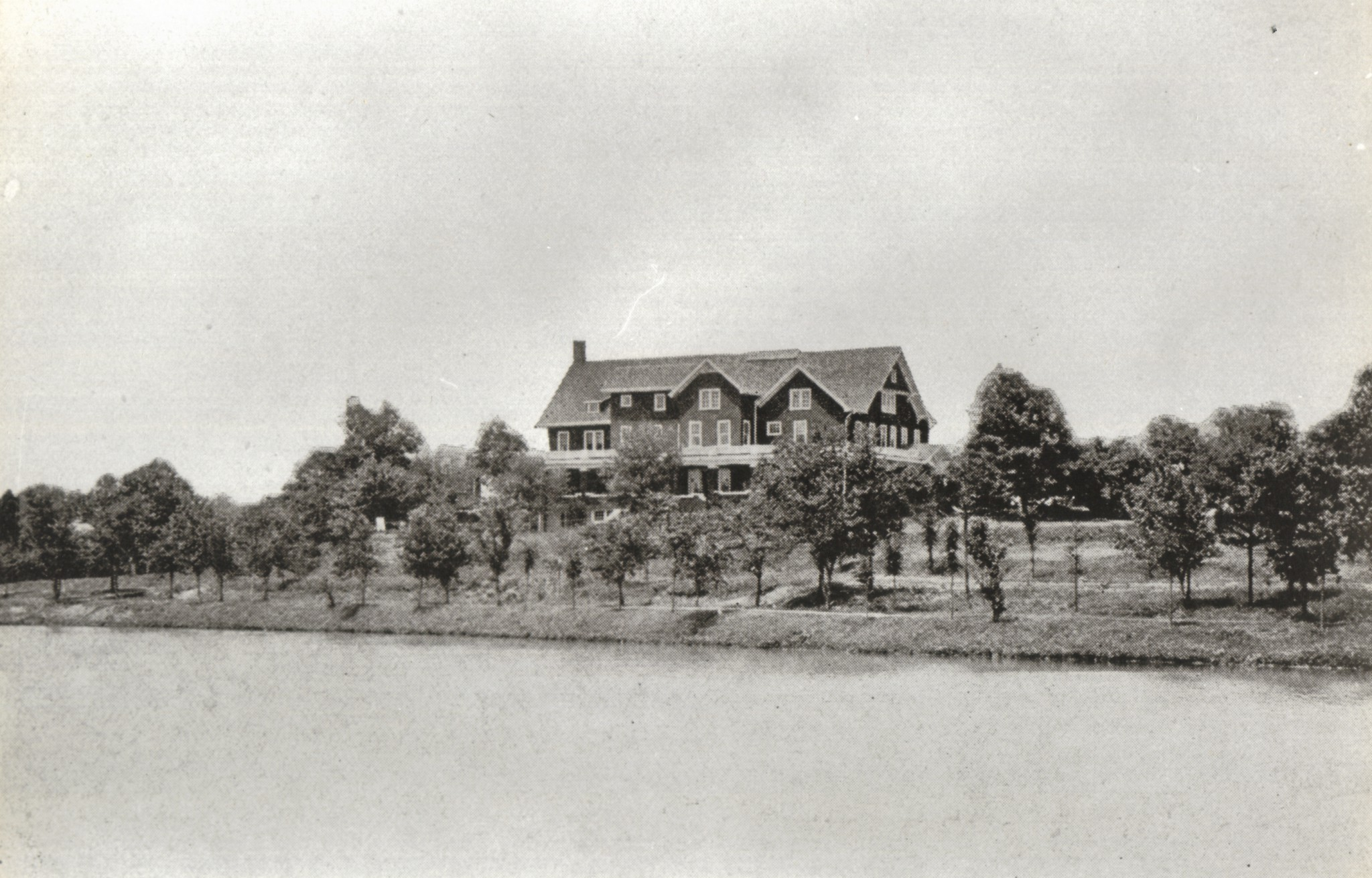 East Lake clubhouse, 8x10, 1914